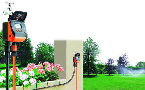 Timer có thể dùng cho cả hệ thống tưới nhỏ giọt lẫn hệ thống tưới phun mưa.
