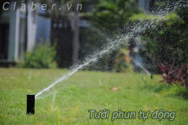 tuoi phun 600x Tưới tự động cảnh quan Resort   thiết kế hệ thống tưới tự động