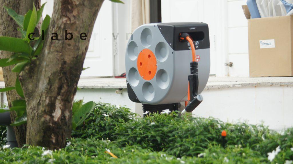 Hệ thống tưới cây tự động thông minh, thiết bị tưới phun mưa cao cấp.