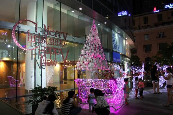[2017] Noel này nên cho bé đi chơi ở đâu? 27 điểm Giáng Sinh ở Sài Gòn