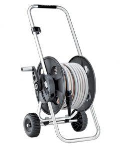 Cuộn ống vòi tưới cây cầm tay có bánh xe.