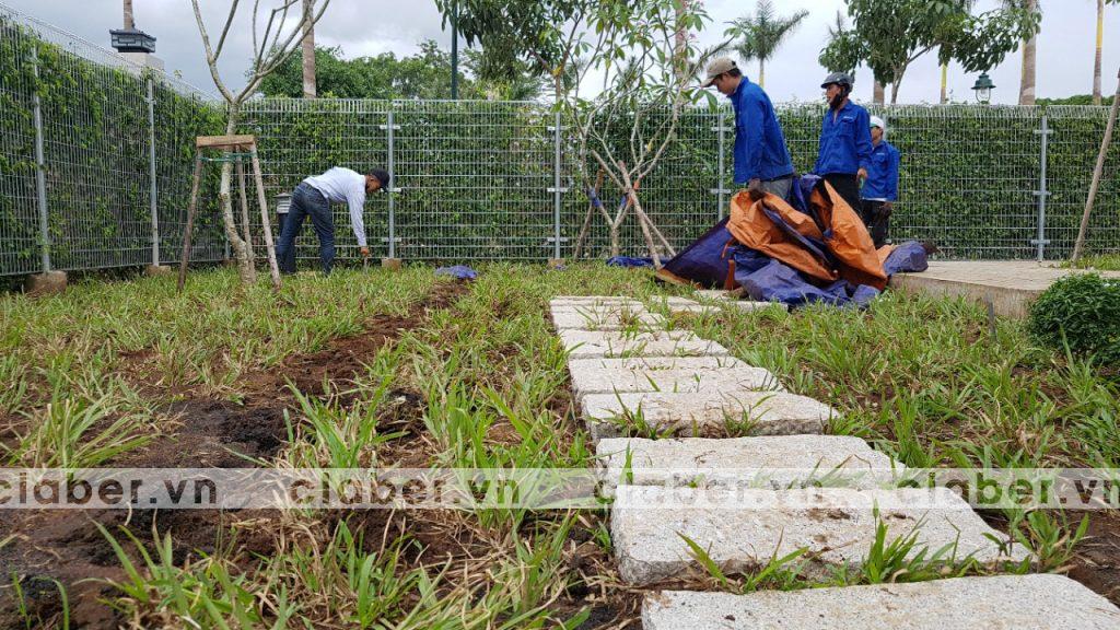 tuoi cay tu dong 2.1 copy 1024x576 5 bước hướng dẫn lắp đặt hệ thống tưới cây tự động cho sân vườn biệt thự có sẵn cây cối