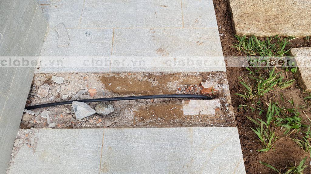 tuoi cay tu dong 29 copy 1024x576 5 bước hướng dẫn lắp đặt hệ thống tưới cây tự động cho sân vườn biệt thự có sẵn cây cối