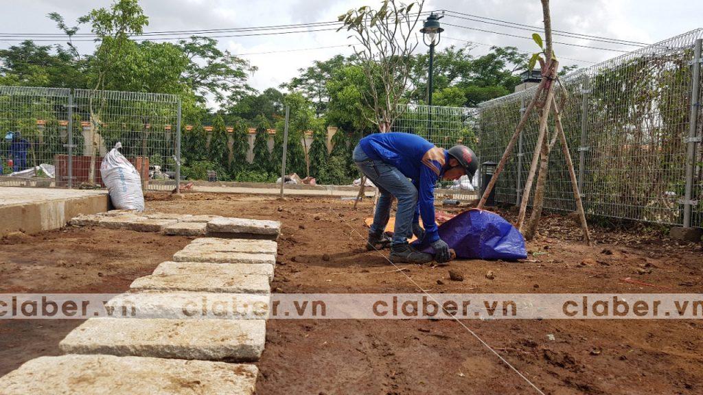 tuoi cay tu dong 4 copy 1024x576 5 bước hướng dẫn lắp đặt hệ thống tưới cây tự động cho sân vườn biệt thự có sẵn cây cối