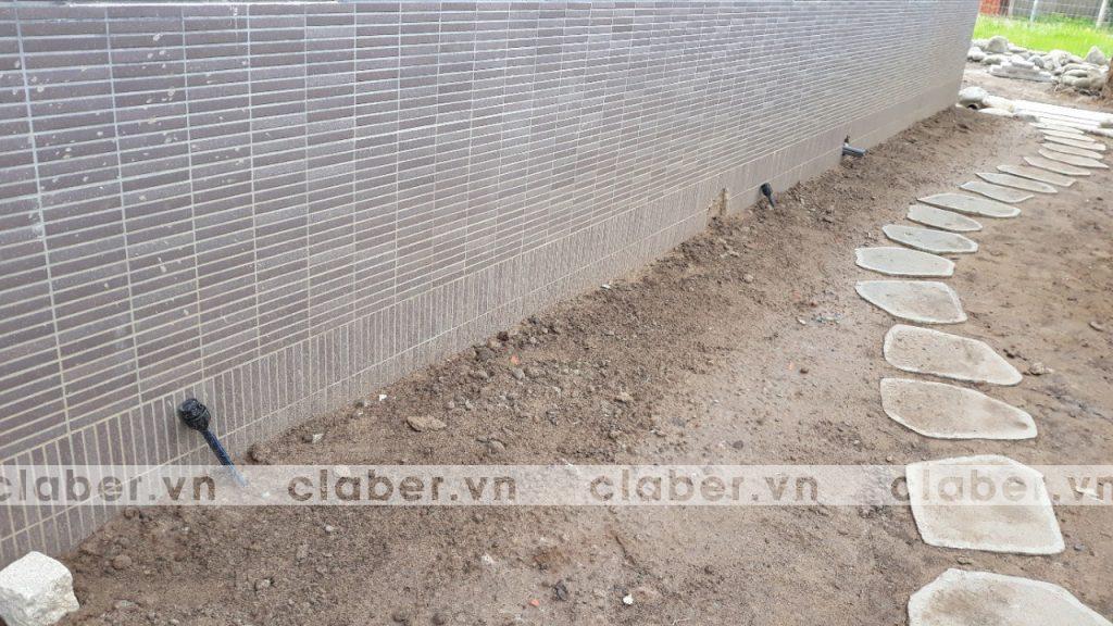 tuoi cay tu dong 41 copy 1024x576 5 bước hướng dẫn lắp đặt hệ thống tưới cây tự động cho sân vườn biệt thự có sẵn cây cối