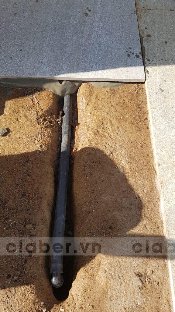 tuoi cay tu dong 42.1 576x1024 5 bước hướng dẫn lắp đặt hệ thống tưới cây tự động cho sân vườn biệt thự có sẵn cây cối