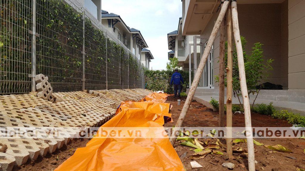 tuoi cay tu dong 5 copy 1024x576 5 bước hướng dẫn lắp đặt hệ thống tưới cây tự động cho sân vườn biệt thự có sẵn cây cối