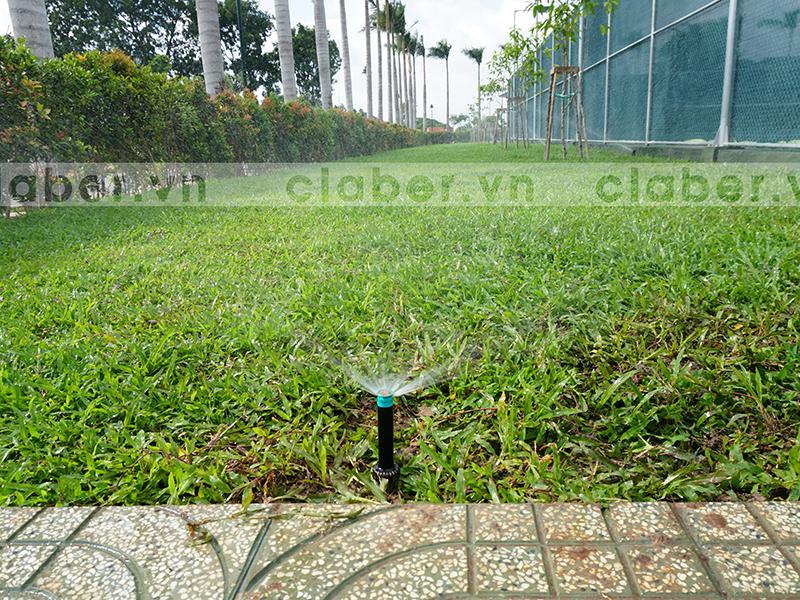 hệ thống tưới phun mưa dải đất rộng