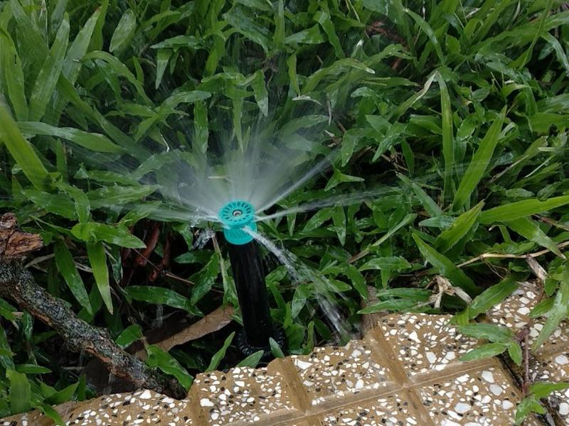 Mách bạn dòng thiết bị tưới cỏ tốt nhất và địa chỉ mua hàng chất lượng